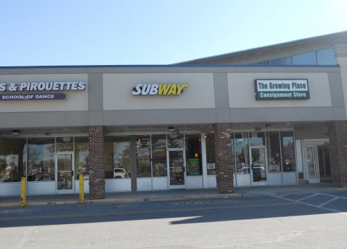 Space for lease in busy shopping center!!!