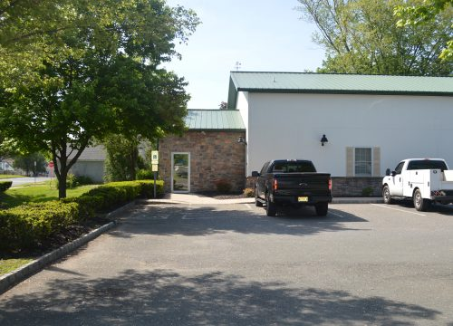 1,000 SF of Office Space Available for Lease – 1102 Sylvan Avenue – Hamilton