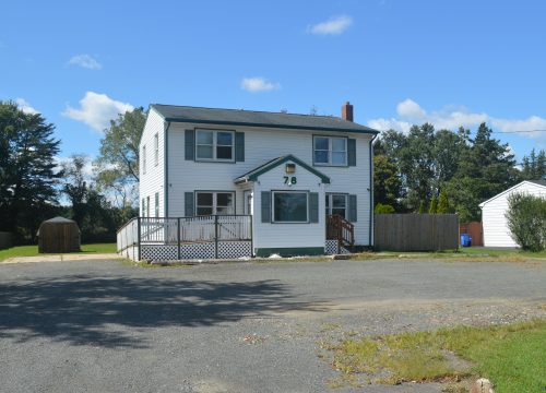 Hopewell Township Commercial Building with Apartment!!