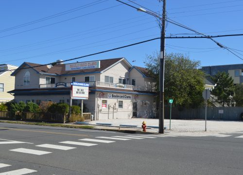 Surf City Seafood Restaurant with 2nd Floor Residence for Sale!
